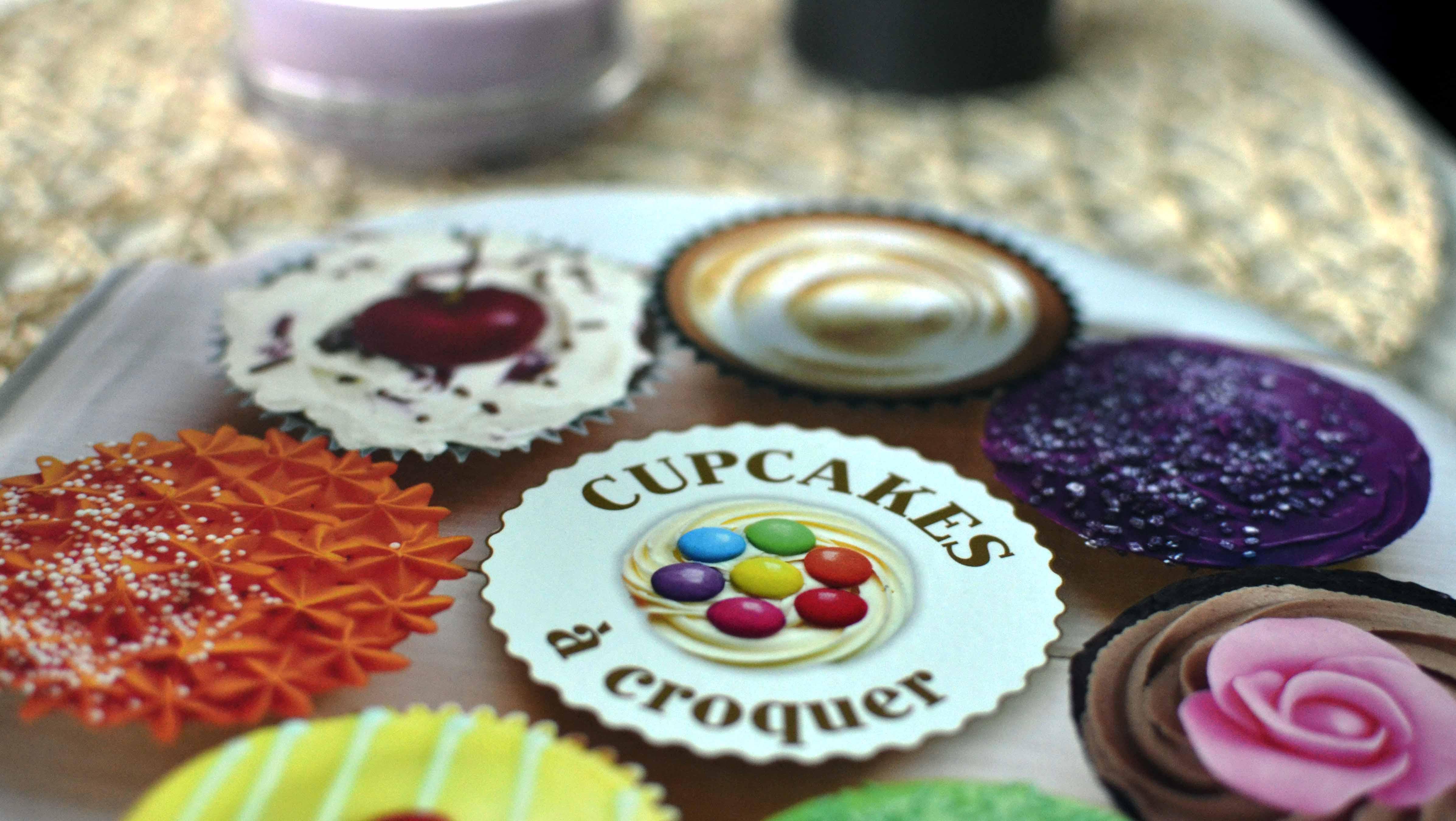 Livre larousse cupcakes